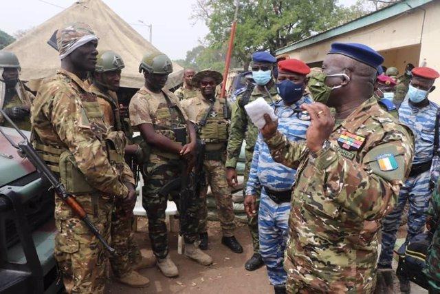 General de las Fuerzas Armadas de Costa de Marfil, Lassina Doumbia
