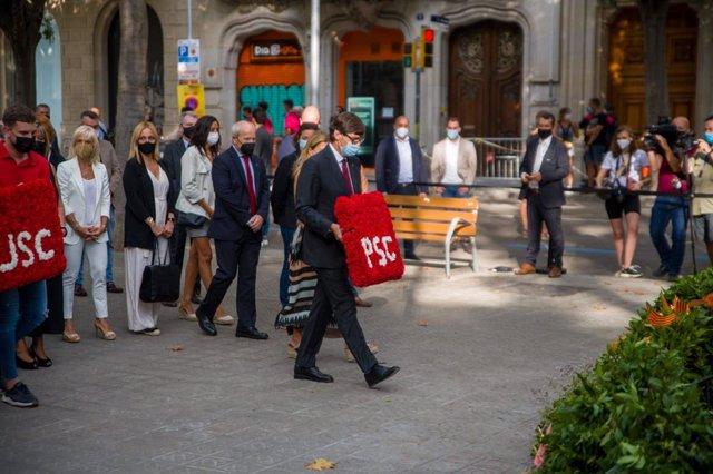 Ofrena del PSC davant el moment de Rafael Casanova a Barcelona per la Diada, encapçalada per Salvador Illa i l'expresident de la Generalitat José Montilla.