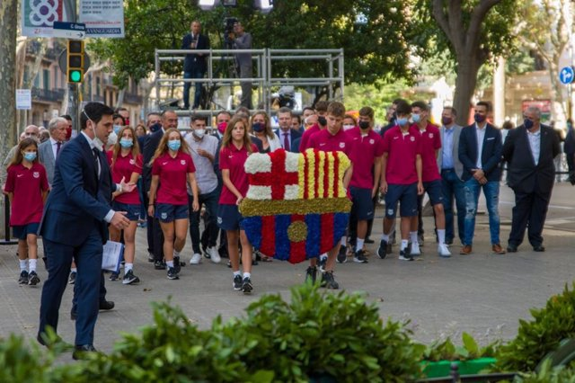 Ofrena del FC Barcelona davant del moment de Rafael Casanova a Barcelona per la Diada.