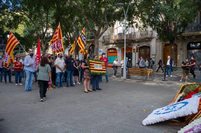 Ofrena d'UGT de Catalunya i CC.OO. De Catalunya davant el moment de Rafael Casanova a Barcelona per la Diada, encapçalada pels seus secretaris generals Camil Ros (UGT) i Javier Pacheco (CC.OO)