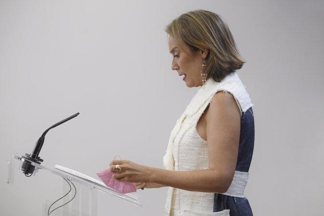 La portavoz parlamentaria del PP, Cuca Gamarra, durante una rueda de prensa tras una reunión de la Junta de Portavoces, a 8 de septiembre de 2021, en Madrid