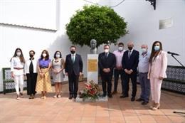 Homenaje en Granja de Torrehermosa a Carmelo Bella, víctima de ETA en el atentado de República Dominicana en Madrid en 1986.