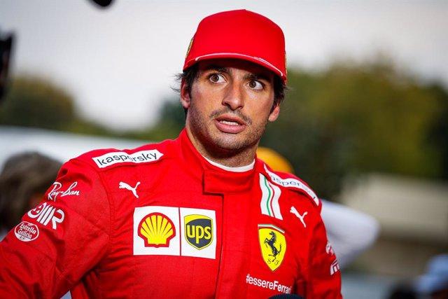SAINZ Carlos (spa), Scuderia Ferrari SF21, portrait during the Formula 1 Heineken Gran Premio D'italia 2021, Italian Grand Prix, 14th round of the 2021 FIA Formula One World Championship from September 9 to 12, 2021 on the Autodromo Nazionale di Monza, in