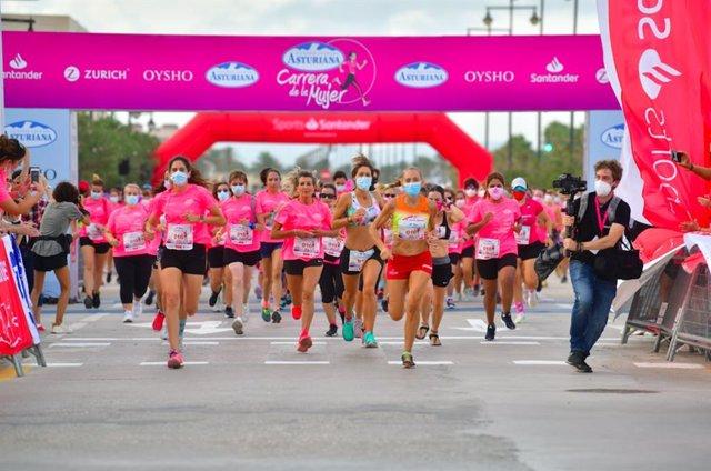 La Marea Rosa regresa a lo grande en la Carrera de la Mujer de Valencia