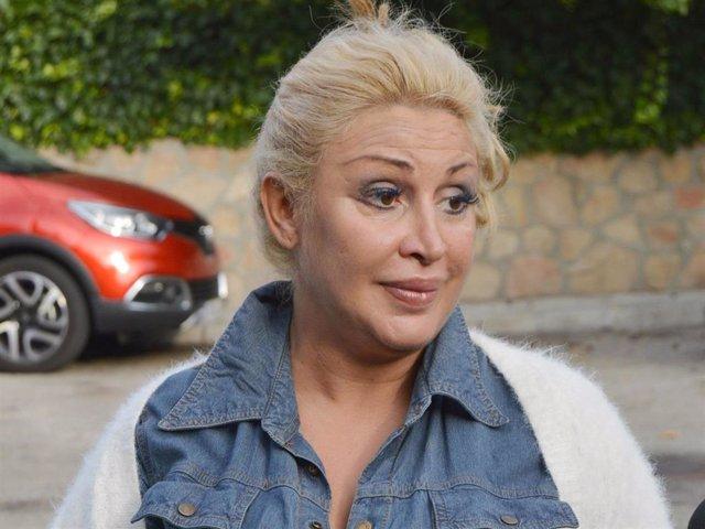 Archivo - Silvia, hermana de Raquel Mosquera, guarda silencio tras su ingreso hospitalario por un nuevo brote psicótico