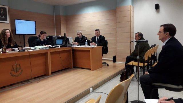 Archivo - Diego Higuera declara en el juicio del caso Conurca, en el que Pablo Sámano (a su derecha) se ha acogido a su derecho a no declarar