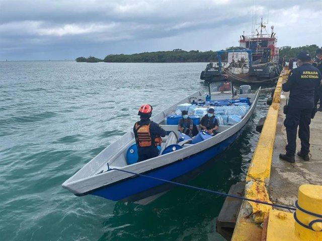 Lancha rápida incautada con un cargamento de cocaína en Colombia