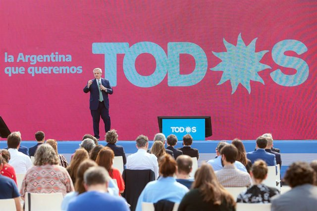 31 August 2021, Argentina, Buenos Aires: Argentinian President Alberto Fernandez delivers a speech at a campaign rally ahead of legislative elections in November this year. Photo: Esteban Collazo/telam/dpa