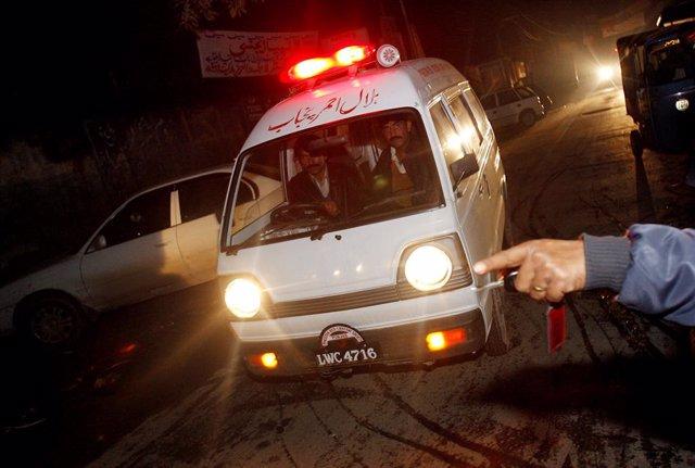 Archivo - Arxivo - Ambulància al  Pakistan