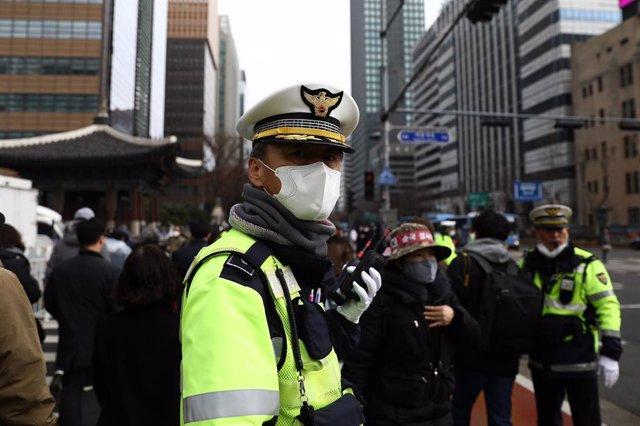 Policía en Seúl, Corea del Sur