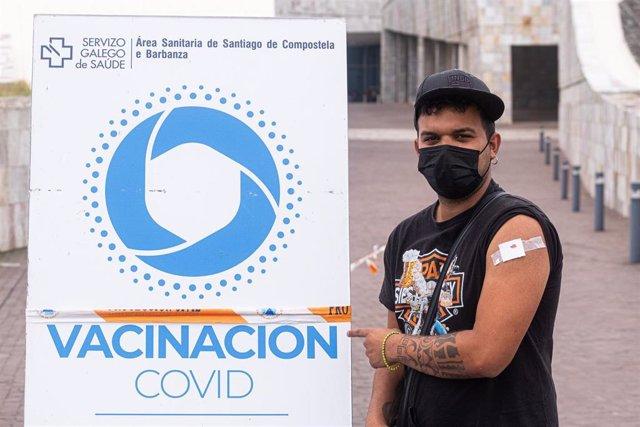Archivo - Vacunación en la Cidade da Cultura, Santiago de Compostela