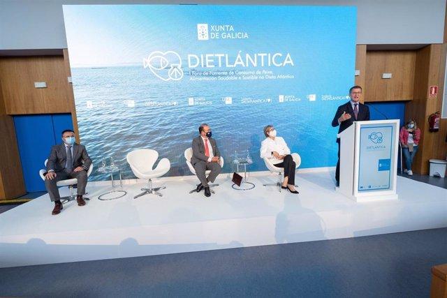 El presidente de la Xunta, Alberto Núñez Feijóo, interviene en la inauguración del I Foro Dieta Atlántica