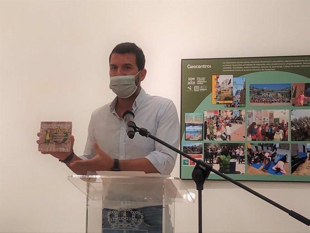 El diputado de Retor Demográfico, Álvaro Sánchez Cotrina, en la rueda de prensa de presentación de los actos para conmemorar los diez años del Geoparque Villuercas-Ibores-Jara