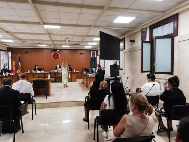 La Sección Primera de la Audiencia Provincial acoge el juicio contra el 'clan del Pablo' por blanquear dinero del narcotráfico.