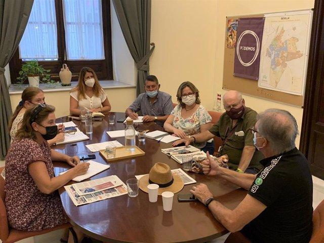 Reunión de Serrano con colectivos sociales