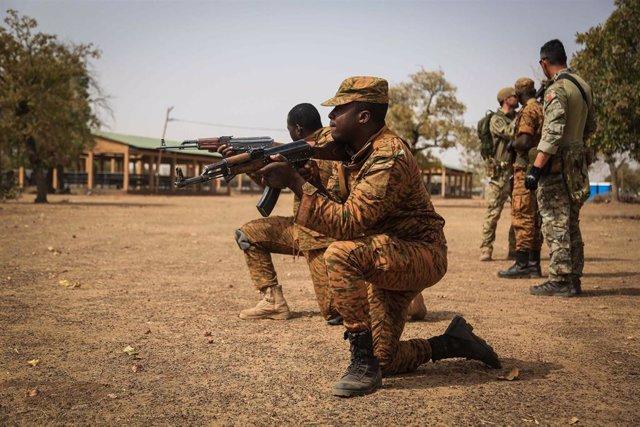 Archivo - Militares de Burkina Faso.