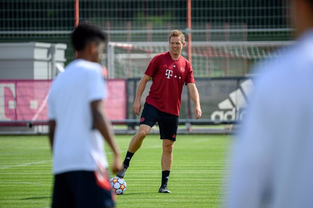 13 September 2021, Bavaria, Munich: Bayern Munich coach Julian Nagelsmann leads a training session for Bayern Munich at the Saebener street training ground, ahead of Tuesday's UEFAChampions League Group E soccer match against FC Barcelona. Photo: Matthia