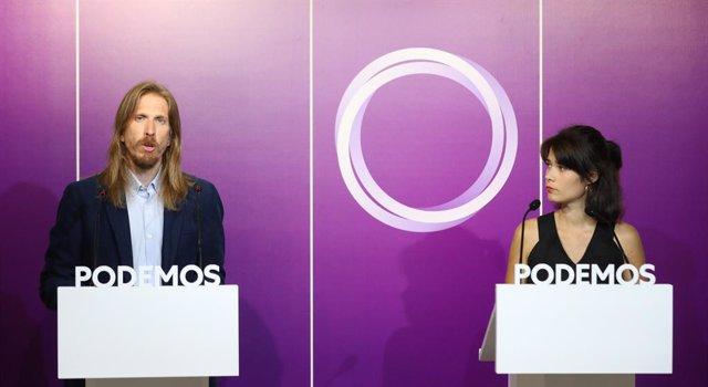 Els portaveus de Podem, Pablo Fernández i  Isa Serra, ofereixen una conferència de premsa