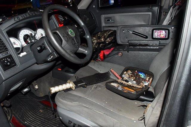 Un cuchillo militar hallado en el interior de un vehículo de un supremacista blanco en Washington