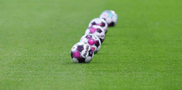 Archivo - Balón de la Bundesliga