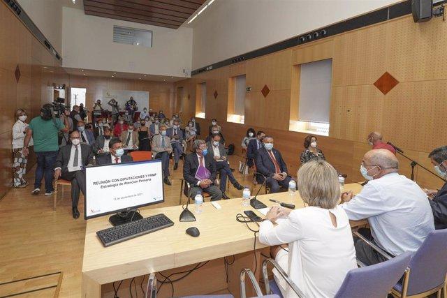 Encuentro entre la titular de Sanidad y los presidentes de las nueve diputaciones en Castilla y León.