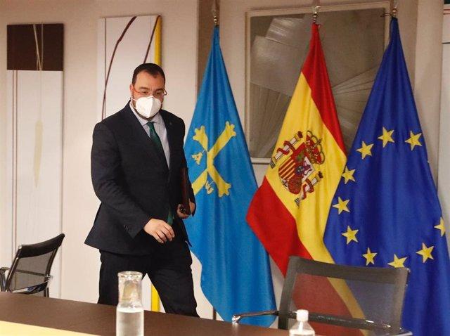 Archivo - El presidente del Principado de Asturias, Adrián Barbón
