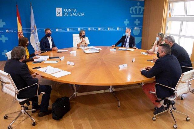 Ethel Vázquez Y Responsables De Augas Se Reúnen Con Los Alcaldes De  Santiago, Ames Y Brión