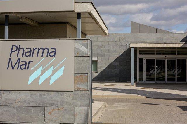 Archivo - Entrada a la sede de PharmaMar