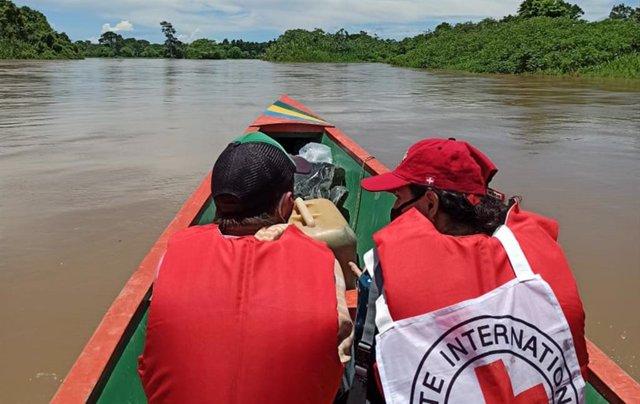 Archivo - Entrega de un rehén al Comité Internacional de Cruz Roja (CICR)