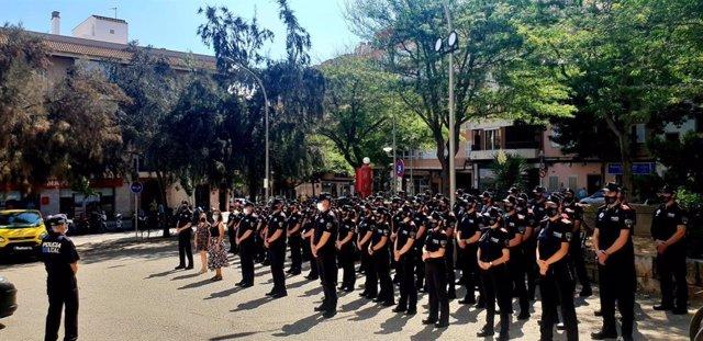 La Policía levanta más 2.500 actas por botellón y 10.598 relacionadas con la COVID-19 en 2021 en Palma