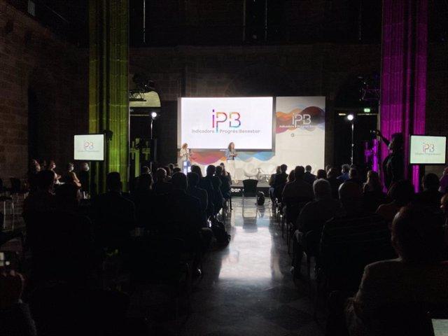 La presidenta de la Cámara de Barcelona, Mònica Roca, durante la presentación de los IPB.