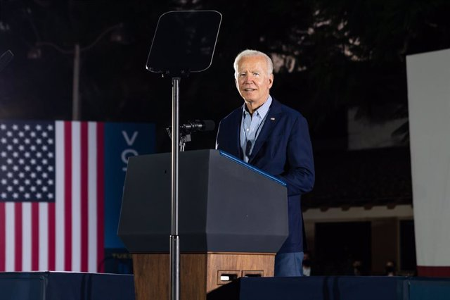 13 September 2021, US, Long Beach: US President Joe Biden gives a speech during a rally to support California Governor Gavin Newsom and against the Republican election recall, at Long Beach City College Liberal Arts Campus, the day before the recall elect