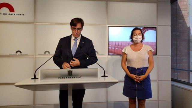 El líder del PSC al Parlament, Salvador Illa, i la portaveu socialista, Alícia Romero, en la roda de premsa