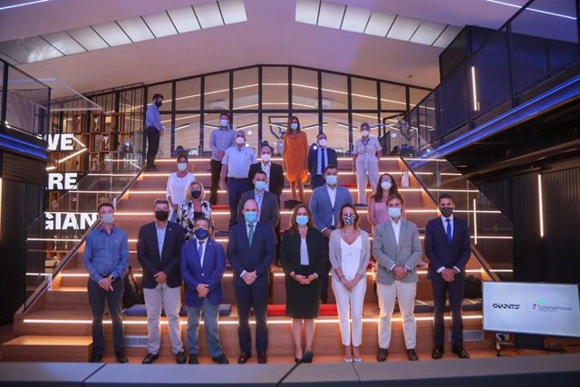 Foro de Turismo celebrado en la sede en Málaga del equipo Vodafone Giants