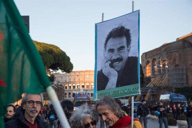 Manifestación celebrada en Roma por la libertad del líder kurdo Abdulá Ocalan.