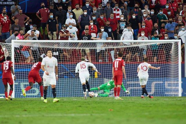 Ivan Rakitic of Sevilla shoots for goal during the UEFA Champions League, Group G, football match played between Sevilla FC and RB Salzburg at Ramon Sanchez-Pizjuan stadium on September 14, 2021, in Sevilla, Spain.