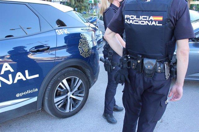 Archivo - Imagen de recurso de agentes de la Policía Nacional