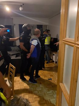 Momento de la detención de Hugo Carvajal, buscado por la Justicia para su extradición a EEUU