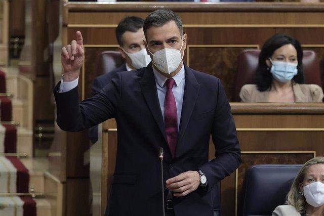 El presidente del Gobierno, Pedro Sánchez, interviene en una sesión de control al Gobierno en el Congreso de los Diputados, a 15 de septiembre de 2021, en Madrid, (España).