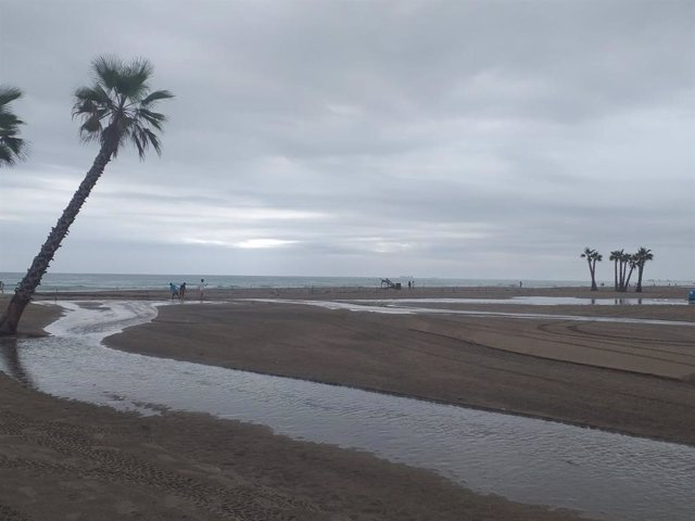 Pluges en una platja de València