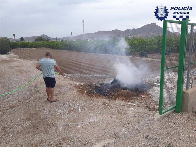 Imagen de una de las quemas de restos de poda intervenidas