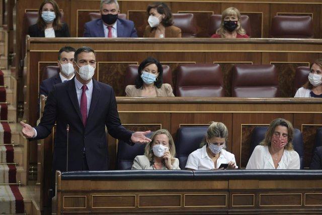 El presidente del Gobierno, Pedro Sánchez, interviene en una sesión de control al Gobierno en el Congreso de los Diputados, a 15 de septiembre de 2021