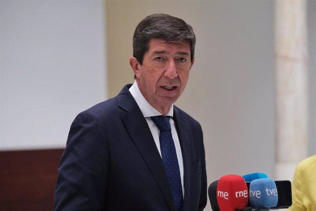 El vicepresidente de la Junta de Andalucía, Juan Marín, atiende a los medios.
