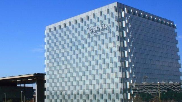 Archivo - Sede de Telefónica en Madrid.