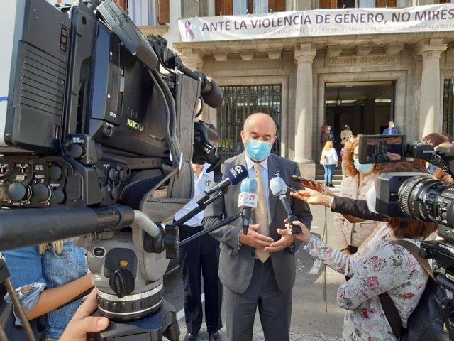Archivo - El delegado del Gobierno en Canarias, Anselmo Pestana