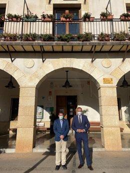 El delegado territorial de Turismo se reúne con el alcalde de Abrucena (Almería).
