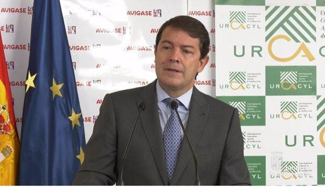 Alfonso Fernández Mañueco en su visita a Avigase.