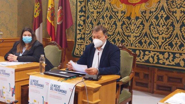 El alcalde de Cuenca, Darío Dolz, en rueda de prensa.