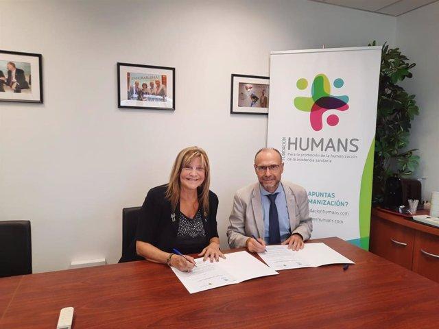 El presidente de la Fundación HUMANS, el doctor Julio Zarco, y la presidenta de ADM, Pilar Martínez Gimeno.