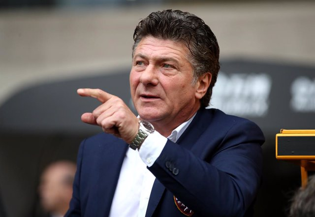 Archivo - 29 August 2019, England, Wolverhampton: Torino's manager Walter Mazzarri is seen prior to the start of the UEFA Europa League play-off second leg soccer match between Wolverhampton Wanderers and Torino at Molineux Stadium. Photo: Nick Potts/PA W